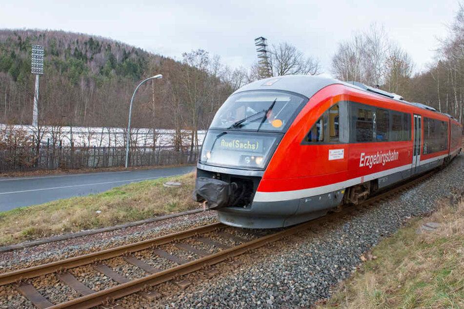 Der Angriff passierte auf der Strecke von Zwickau nach Aue. (Archivbild)