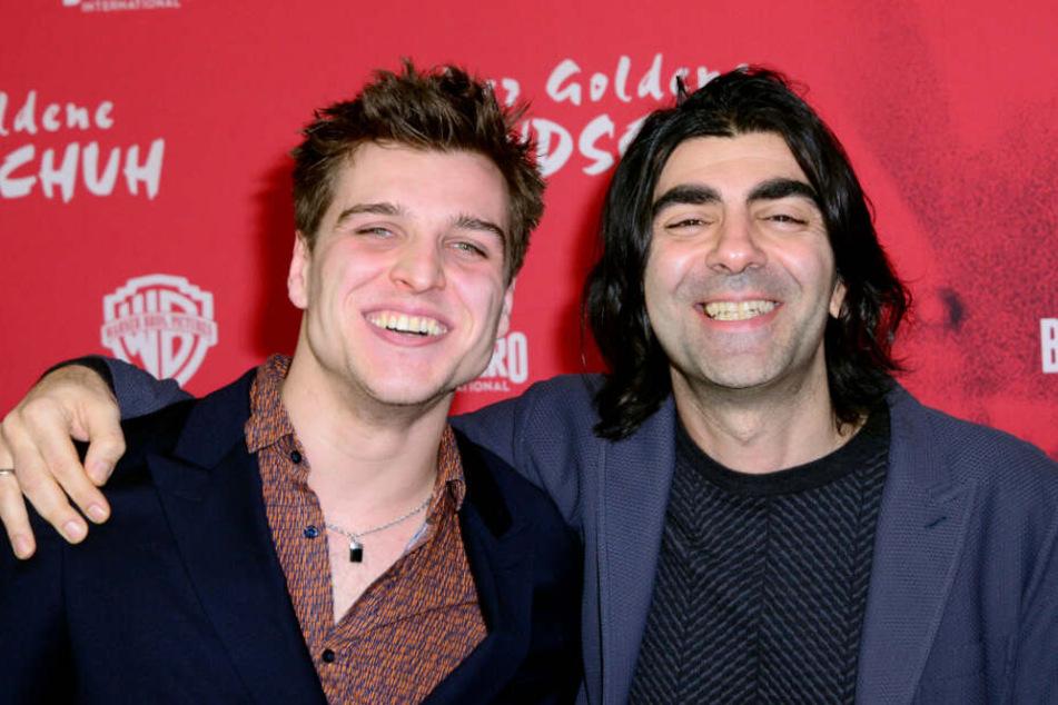 Schauspieler Jonas Dassler (links) und Regisseur Fatih Akin auf der Premiere in Hamburg