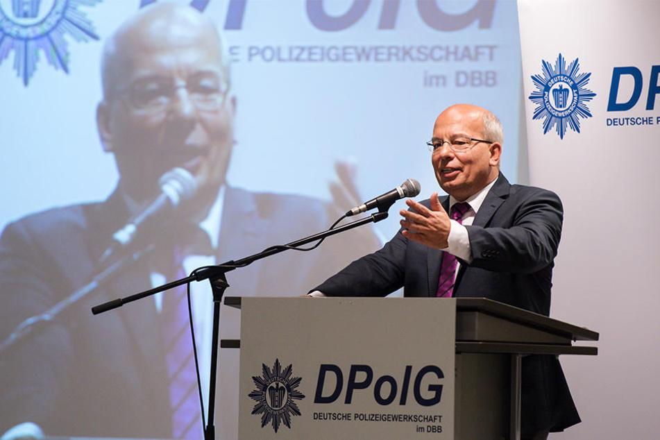 Droht Rainer Wendt das Aus? Politiker fordern seinen Rücktritt.