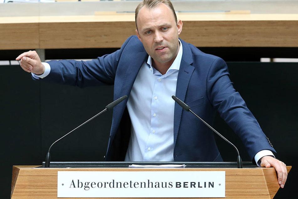 Kämpfte bis zur letzten Sekunde für ein Umdenken bei Rot-Rot-Grün: Sebastian Czaja (33, FDP), Initiator des Volksentscheid.