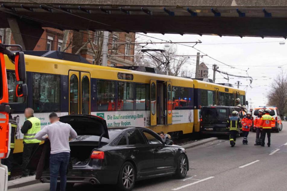 Heftiger Stadtbahn-Unfall vor Pragsattel: Stau im Feierabend-Verkehr