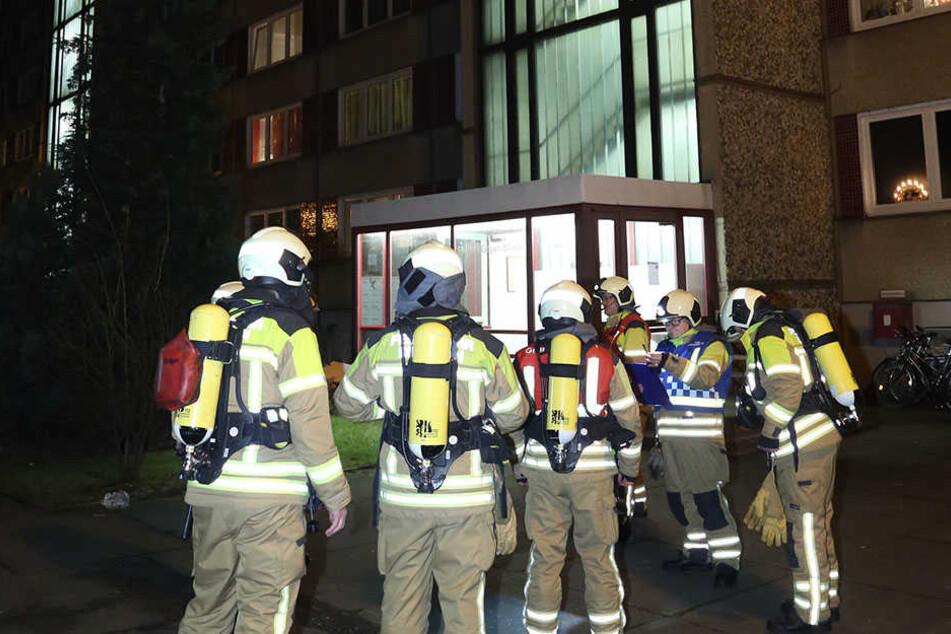 Gegen 19.30 Uhr rückte die Feuerwehr an der Florian-Geyer-Straße 42 an