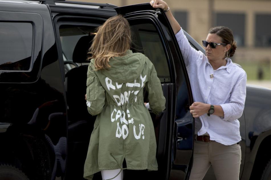 Mit dieser Jacke war Melania Trump zu Flüchtlingskindern an der mexikanischen Grenze gereist und hatte heftige Diskussionen ausgelöst.