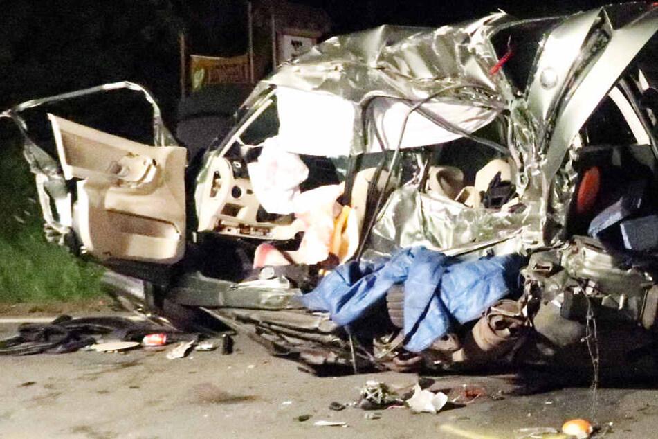 18-jähriger passt nicht auf: Blutiger Auto-Crash in der Walpurgisnacht
