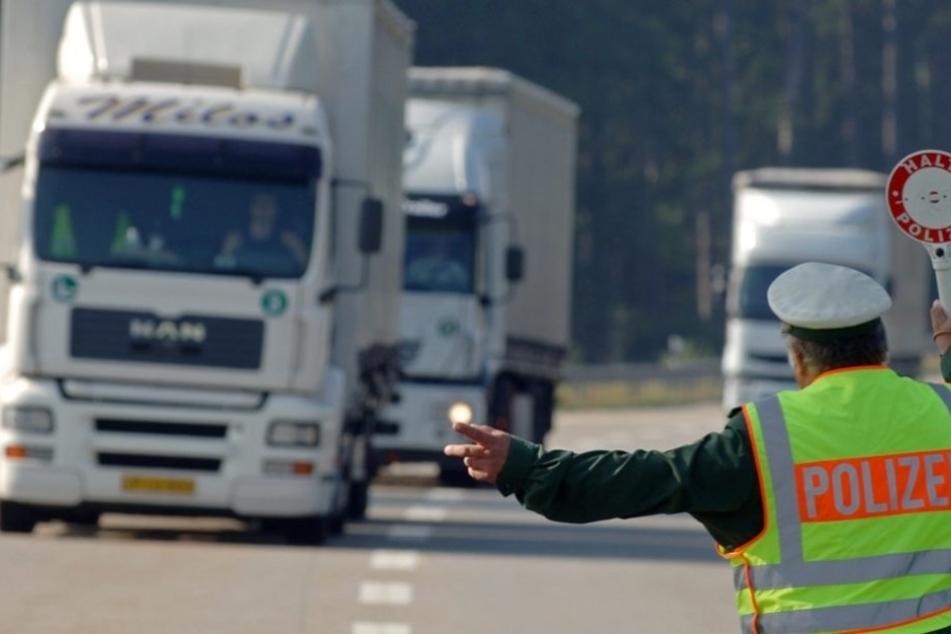 Ohne größere Ruhezeiten ist ein Lastwagenfahrer mindestens 28 Tage durchgefahren (Symbolbild).