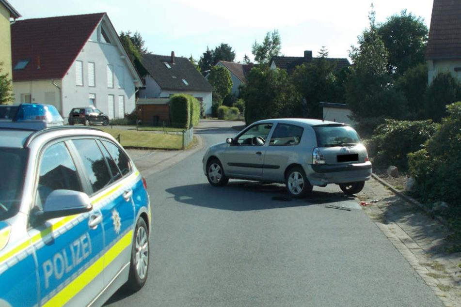 Nach dem Unfall mit dem Renault, flüchtete der Unfallverursacher.