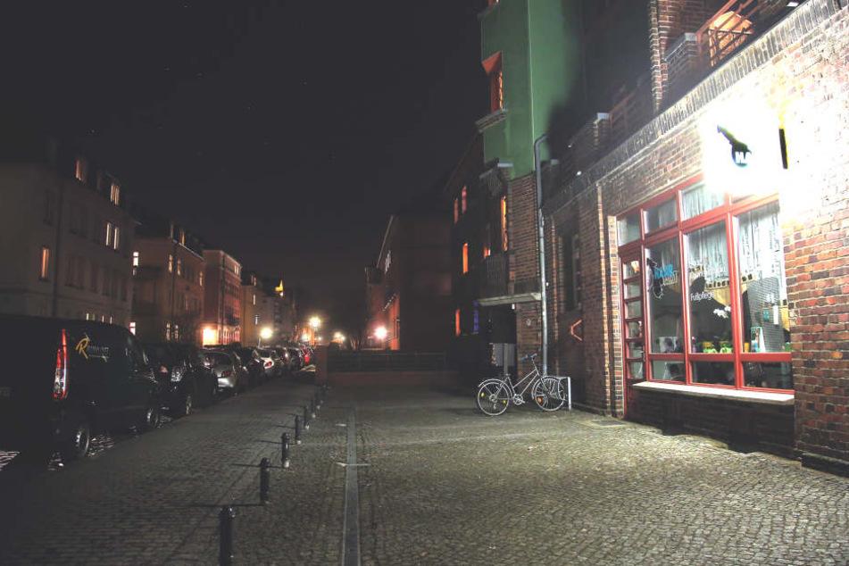 Der Salon kurz nach der Tat: In Löbtau spielten sich regelrechte  Wild-West-Szenen ab.