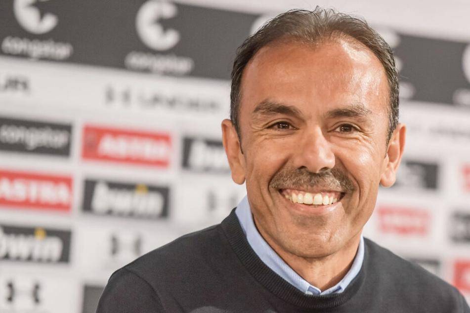 Jos Luhukay hat als Trainer viel mit dem FC St. Pauli vor.