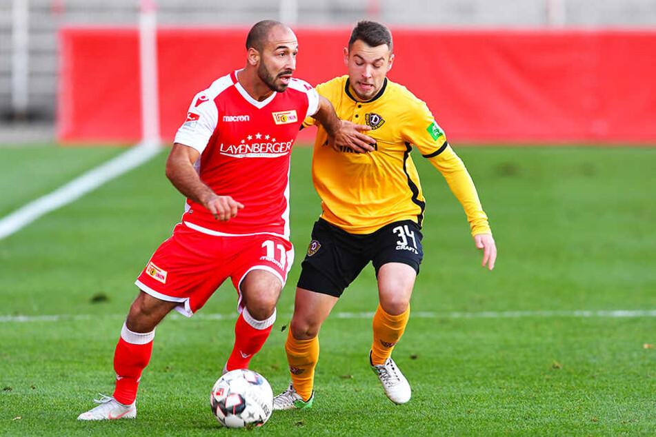 Ex-Dynamo-Kicker Akaki Gogia (l.) im Duell mit Dynamos Justin Löwe.