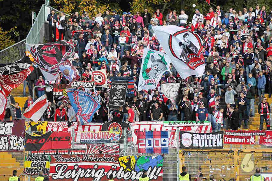 Bei den Einlasskontrollen in Darmstadt mussten einige RB-Fans ein unschönes Procedere über sich ergehen lassen.