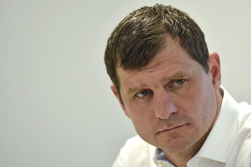 Paderborns Trainer Steffen Baumgart (45) schaute sich die Partie zwischen Preußen Münster und dem FSV Zwickau ganz genau an.