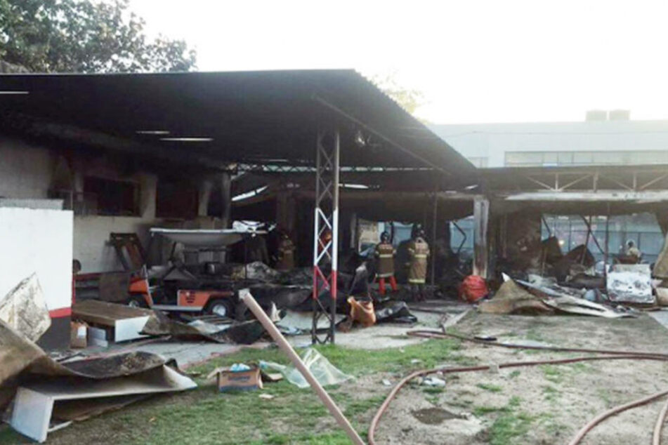 Brand-Katastrophe! 10 Nachwuchs-Fußballer sterben in Flammenhölle im Leistungszentrum