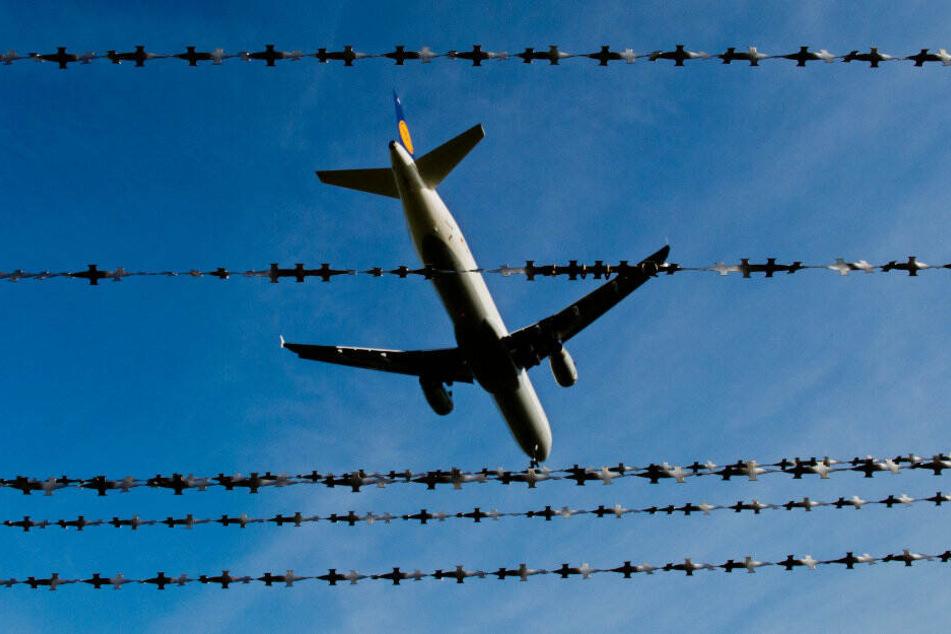 Viele geduldete Asylsuchende werden aus humanitären oder praktischen Gründen nicht abgeschoben. (Symbolbild)