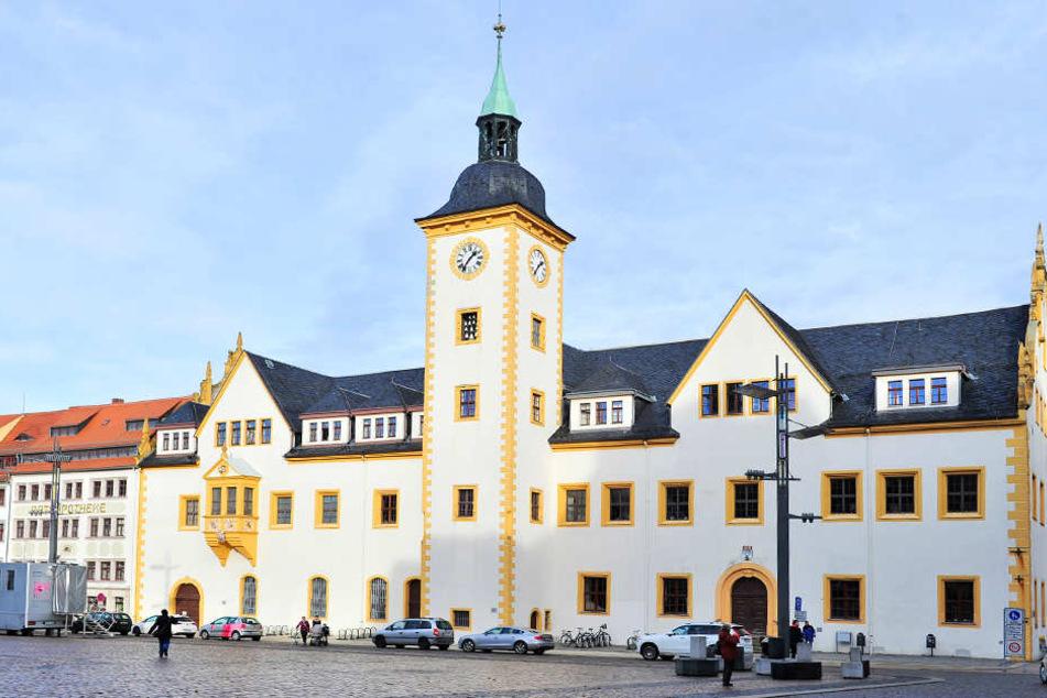 In Freiberg wird heute darüber entschieden, ob ein Zuzugsstopp für Flüchtlinge beantrag werden soll.