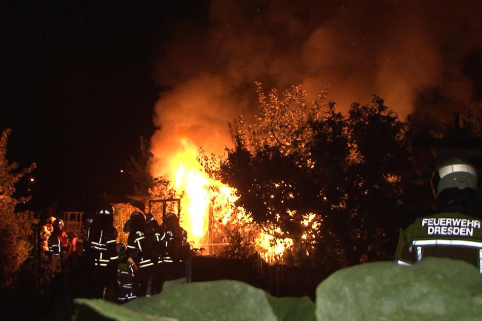 Die Gartenlaube brannte völlig aus.