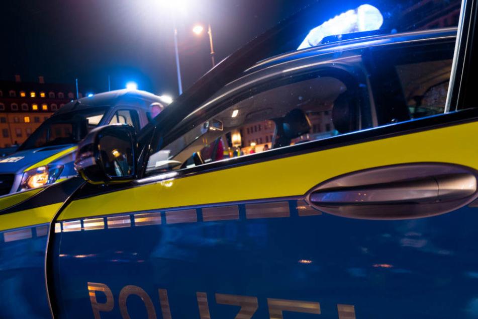 Der Täter ist noch flüchtig. Die Polizei sucht Zeugen. (Symbolbild)