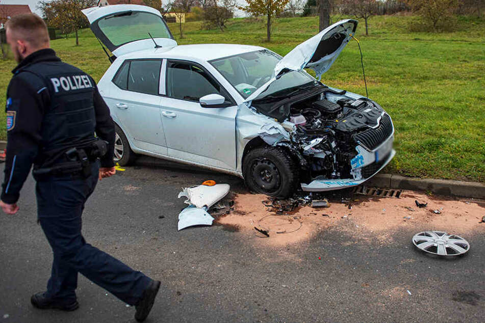 In dem Skoda wurden zwei Insassen schwer verletzt.