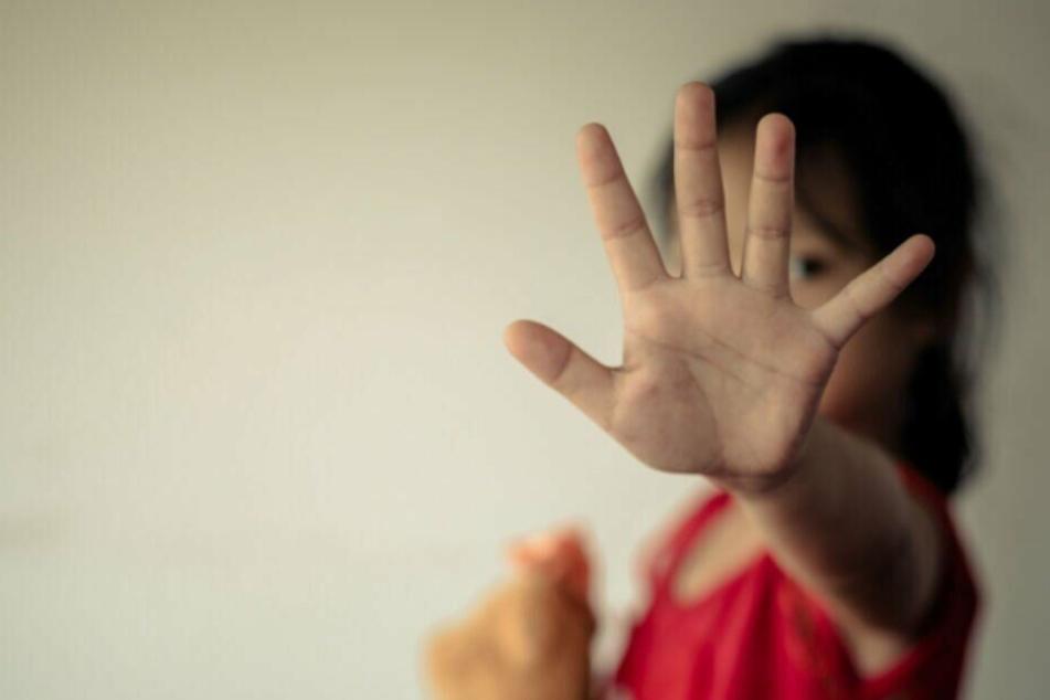 Mann missbrauchte Mädchen unter 14 und produzierte Kinderpornos
