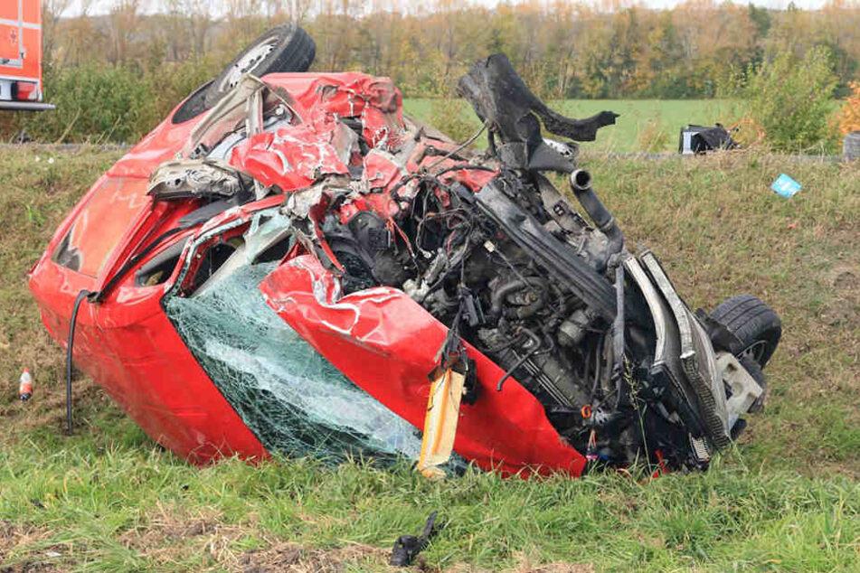 Als Unfallursache gilt ein missglückter Überholvorgang.