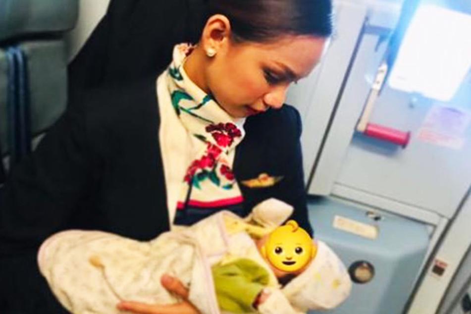 Kümmerte sich liebevoll um den hungrigen Säugling: Flugbegleiterin Patrisha Orano (24)