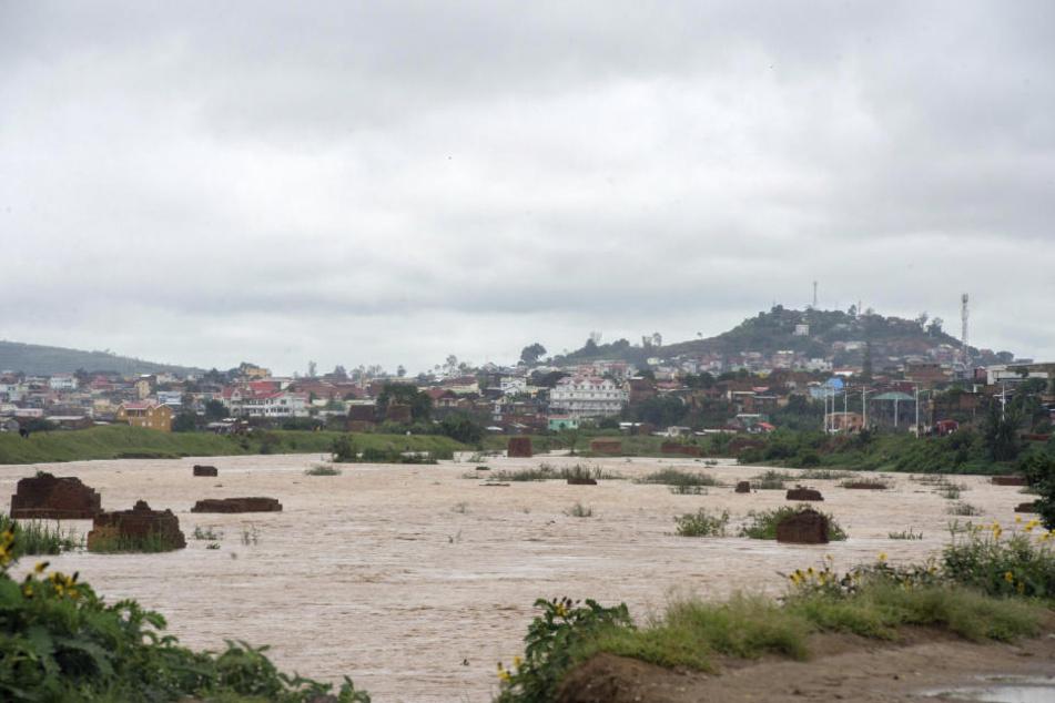 """Mindestens 38 Tote werden auf Madagaskar nach dem Zyklon """"Enawo"""" beklagt."""