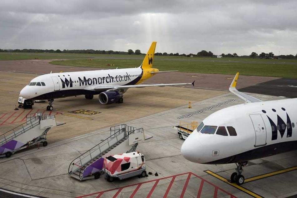 Monarch Airline fliegt nicht mehr. Hunderttausende Passagiere müssen jetzt mit anderen Passagieren zurück geholt werden.