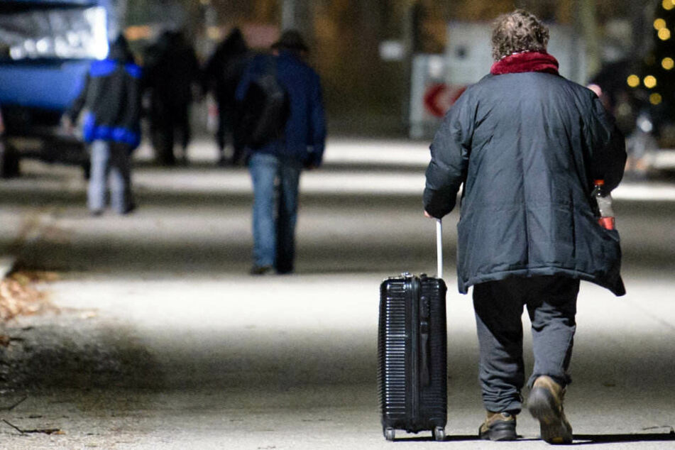 Obdachlose können sich während der eisigen Temperaturen bei der Diakonie aufwärmen. (Symbolbild)