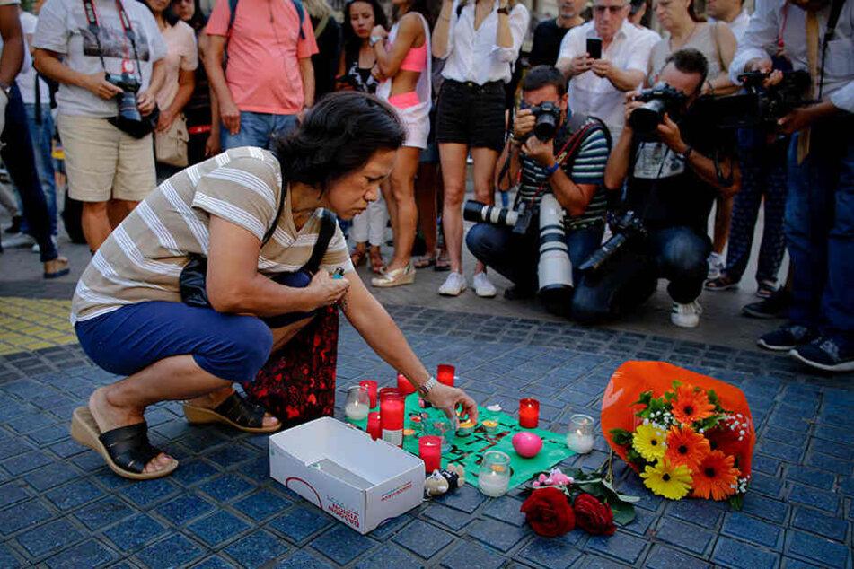 Nicht nur in Barcelona wird getrauert. Weltweit bekundeten die Menschen ihr Beileid.
