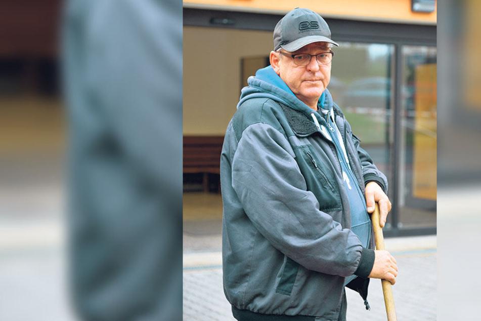 """Schulhausmeister Frank Klinger (55): """"Im Dorf ist jeder aufgewühlt."""""""