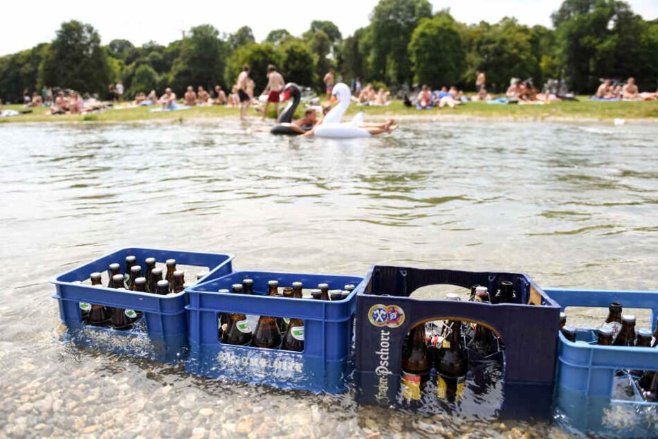 Wenn es nach den Brauereien geht, könnte ein Kasten Bier in Zukunft sechs Euro Pfand kosten. (Symbolbild)