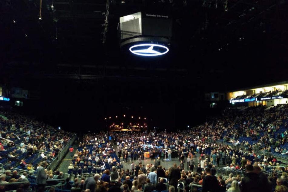 Die Reihen lichten sich: Das Publikum nach dem Dylan-Konzert.