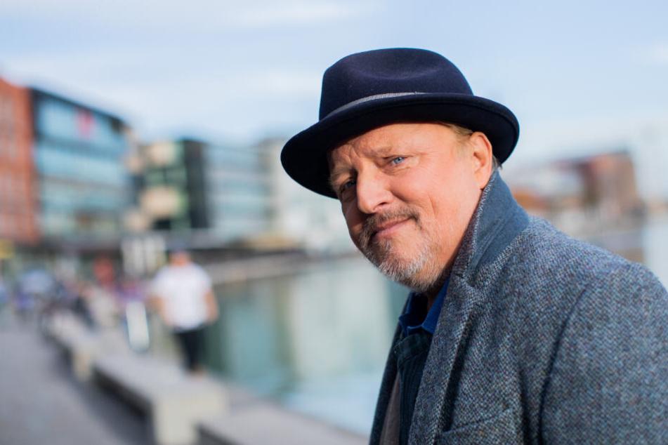 """""""Tatort""""-Kommissar Axel Prahl spielt gemeinsam mit Vanessa im Film """"Nur mit Dir zusammen""""."""