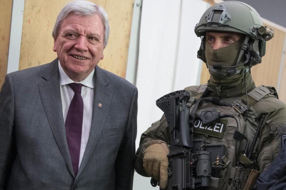 Positiv erwähnte Hessens Ministerpräsident Bouffier die positive Kriminalstatistik.