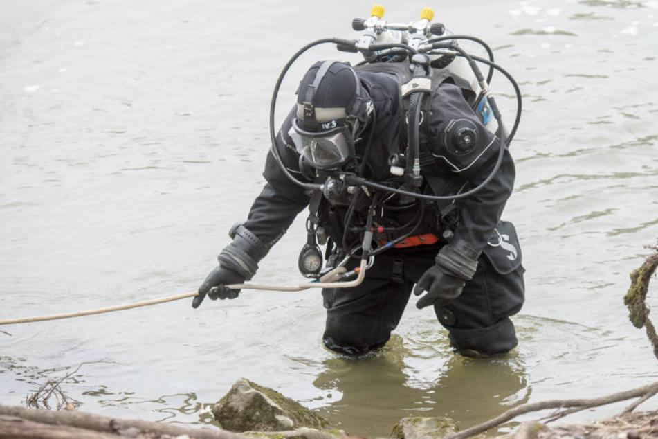 Taucher haben den See bei Lüneburg nach der vermissten Frau abgesucht. (Symbolfoto)