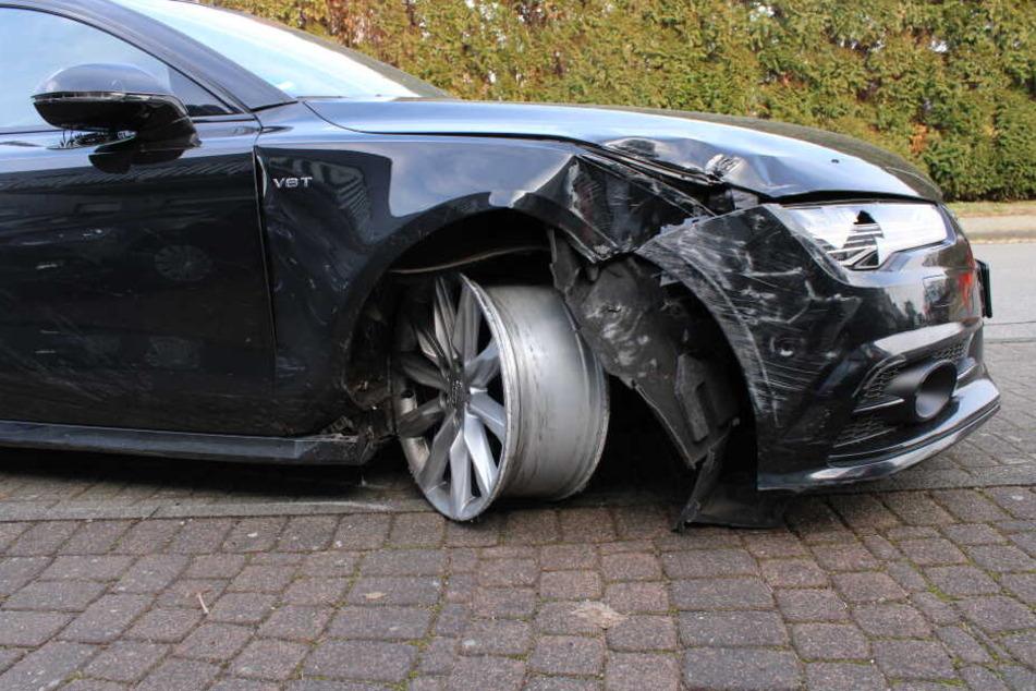 Der geschrottete Audi A6 erlitt einen Achsbruch.
