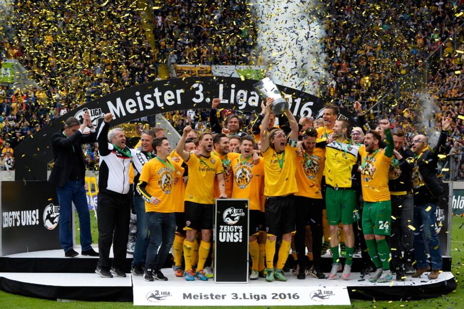 Dresdner Aufstiegsjubel 2016! Spätestens in zwei Jahren soll es den wieder geben.