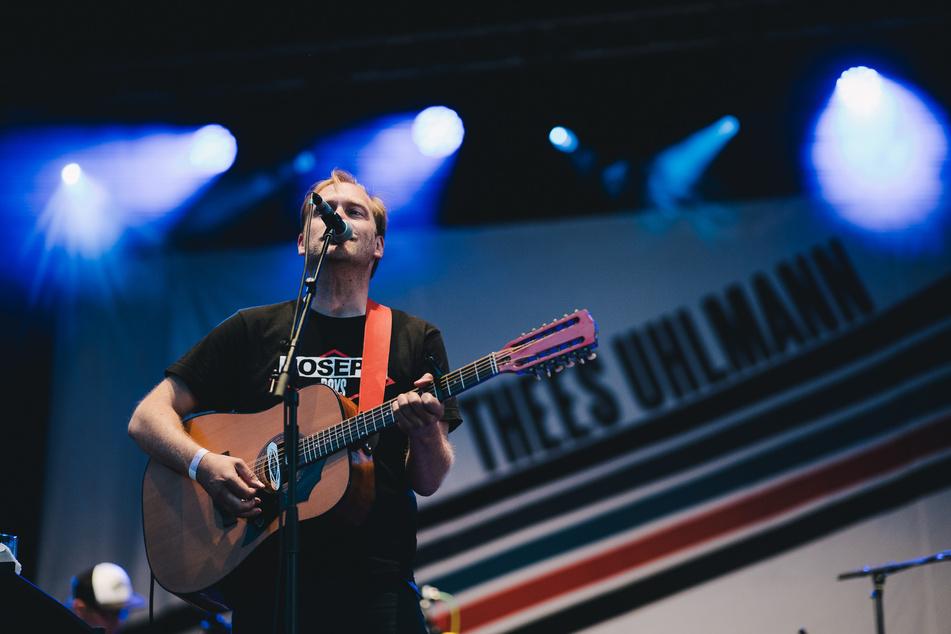 Musiker Thees Uhlmann (47) bei den Picknick-Konzerten 2020 - für alle Künstler und Künstlerinnen war es eine große Freude, mal wieder vor Live-Publikum spielen zu können.