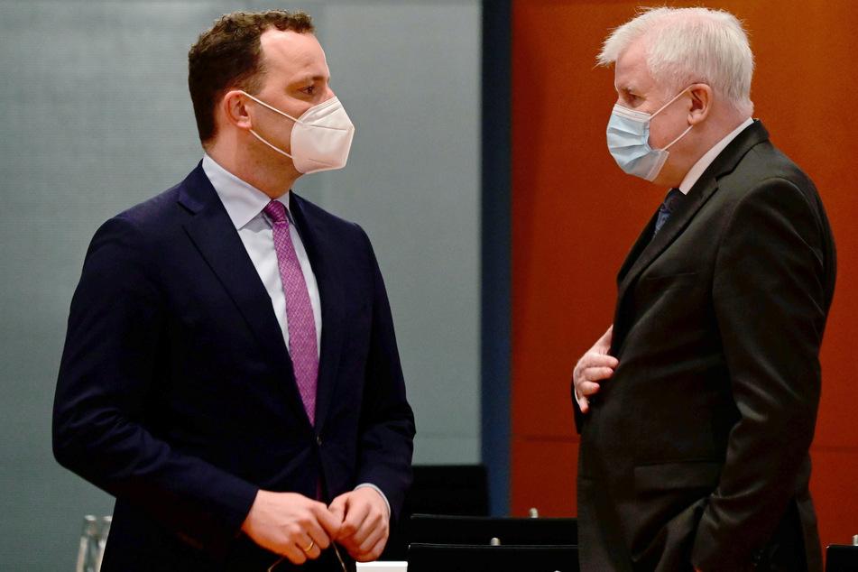Bundesgesundheitsminister Jens Spahn (40, CDU) und Innenminister Horst Seehofer (71, CSU).