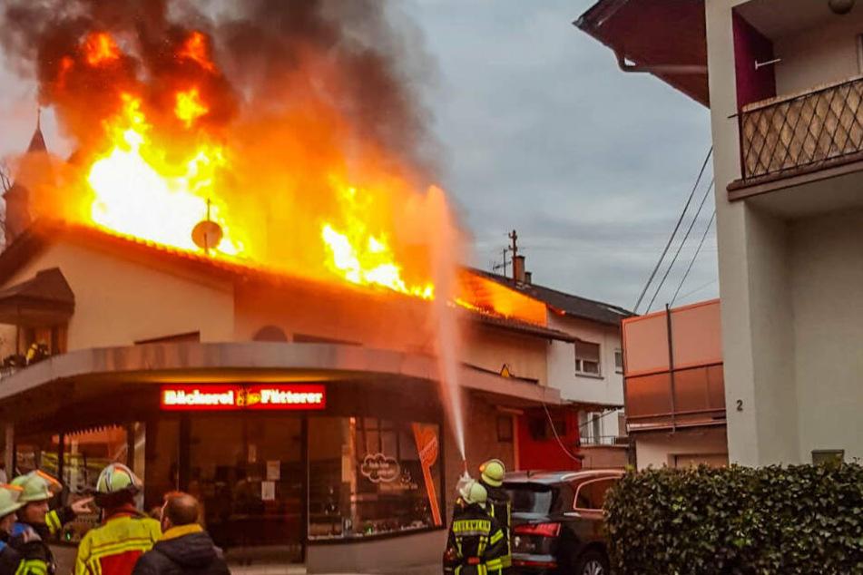 Feuer-Drama in Karlsruhe: Leiche wegen starker Verbrennungen zunächst nicht identifizierbar