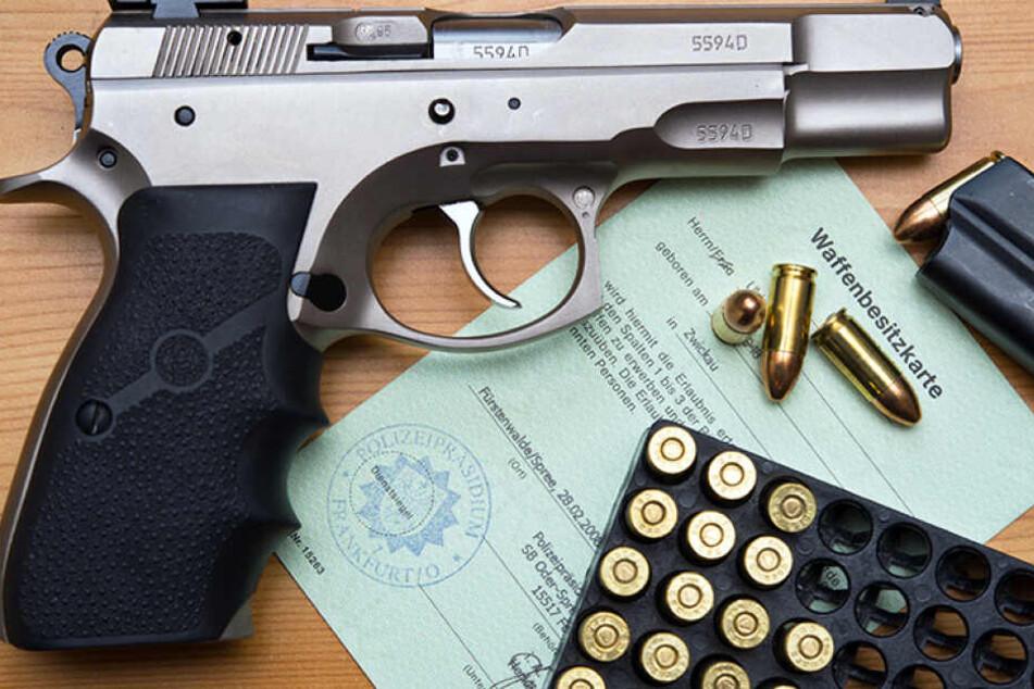 Die Waffe und die Munition sollen stets voneinander getrennt aufbewahrt werden.