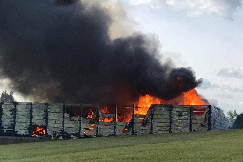 In Elterlein brennt eine Möbelfabrik.