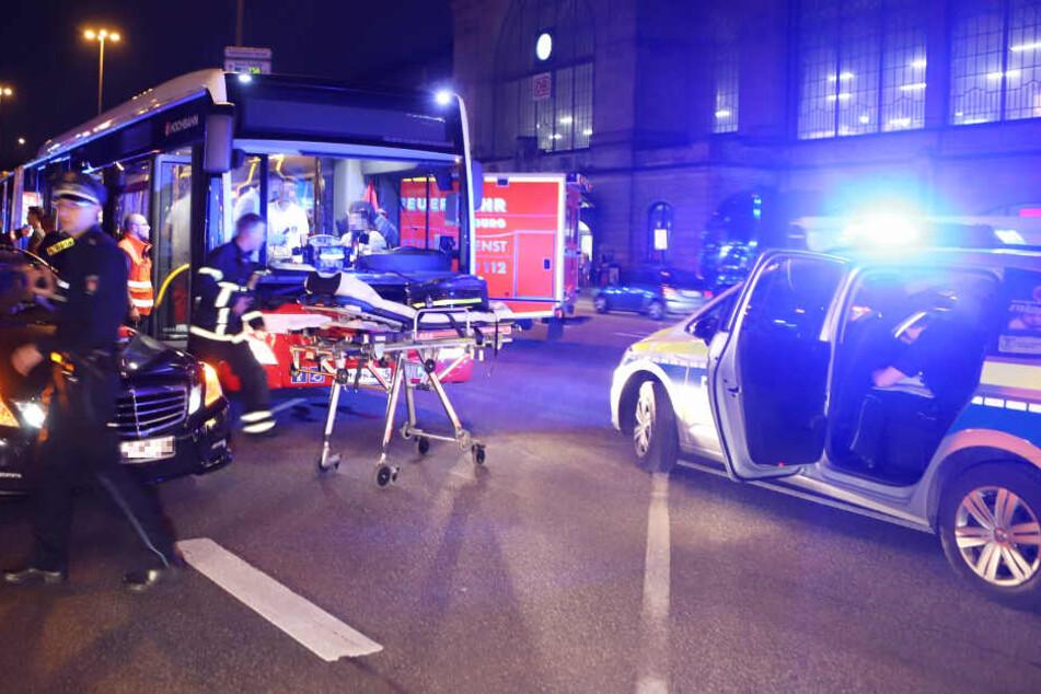 15 Verletzte in HVV-Bus nach Vollbremsung vor Dammtor-Bahnhof