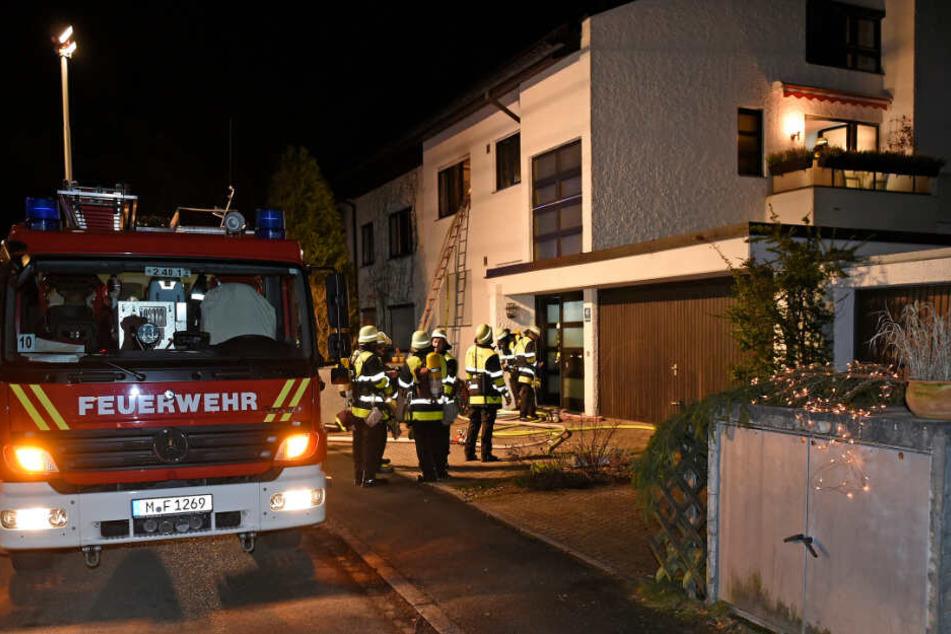 Die Feuerwehr konnte das schwer verletzte Ehepaar retten.