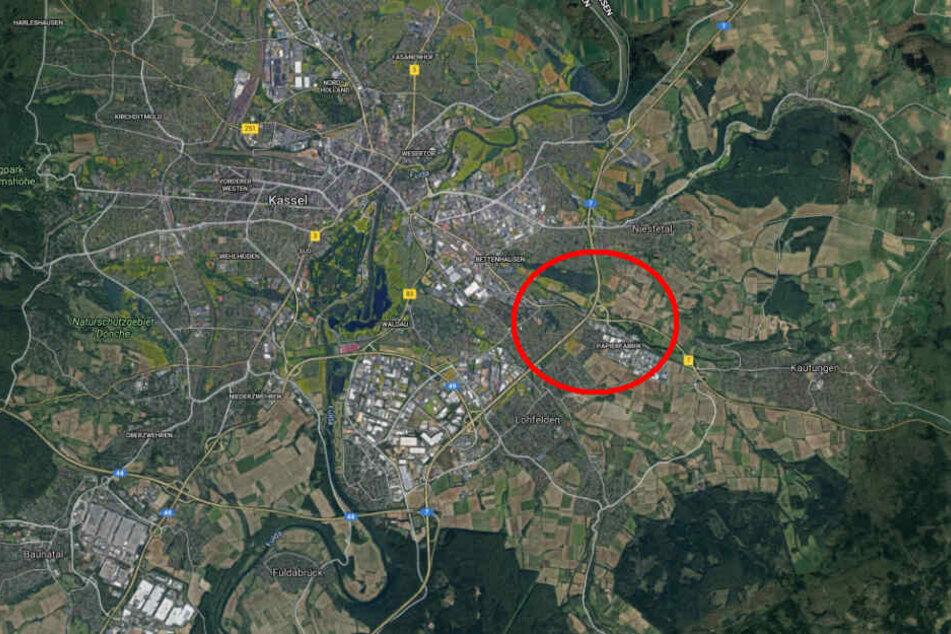 """Der Unfall ereignete sich auf der B7 an der Autobahnzufahrt """"Kassel-Ost""""."""