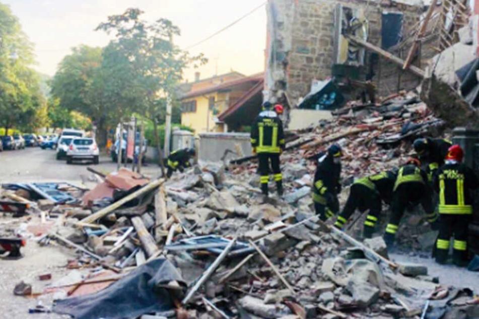 Haus fliegt bei Explosion in die Luft: Mehrere Tote