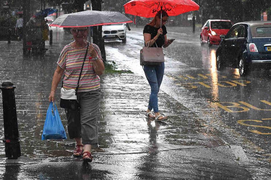 Unwetterartige Regenfälle können herunterkommen, so wie hier in Großbritannien.