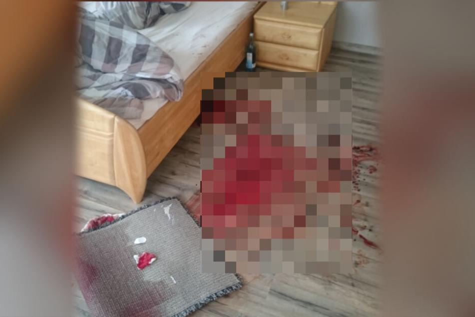 Dieses Schlafzimmer war mit Blutspuren übersäht.