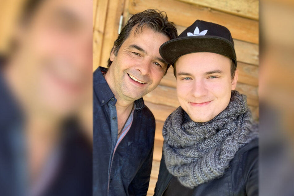 Vater-Sohn-Selfie: Randfichten-Rups und seinem Sohn Toni (22). Der Sohn hat am Album mitgewirkt.