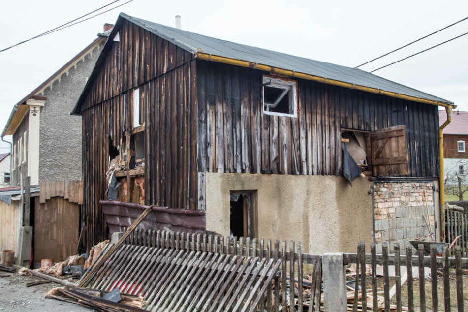 Die Sauna in der Scheune fing Feuer, nachdem der Besitzer in Schönbrunn offenbar zu stark einheizte.