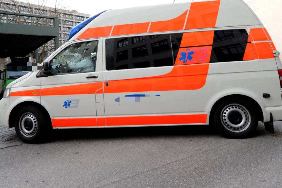 Der 56-Jährige erlag im Krankenhaus seinen Verletzungen. (Symbolbild)